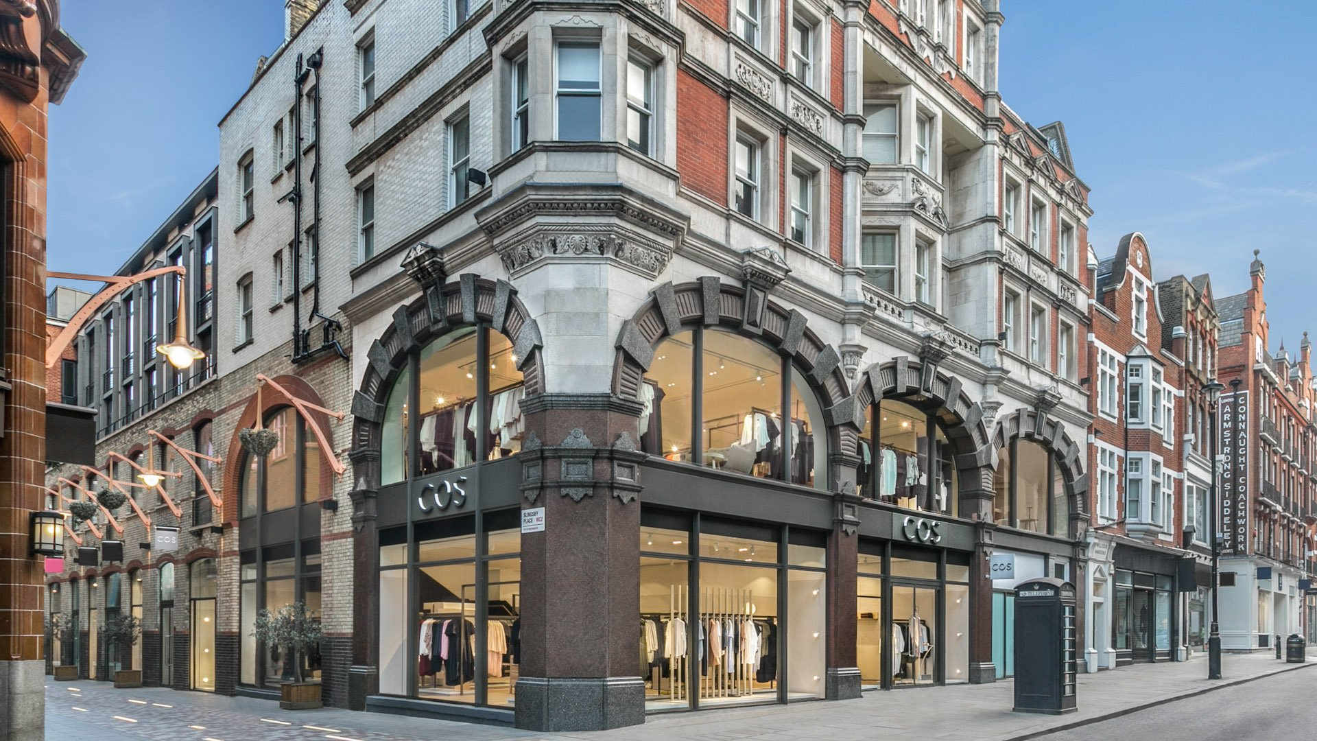 store-retail-specialist-photographer-in-Central-London