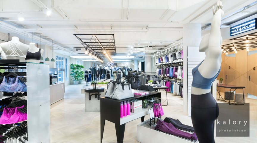 retail concept picture on regent street and oxford street